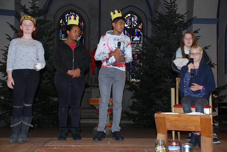 Weihnachtsgottesdienst 2019 Szenenbild beim Proben©MDG-Nienburg