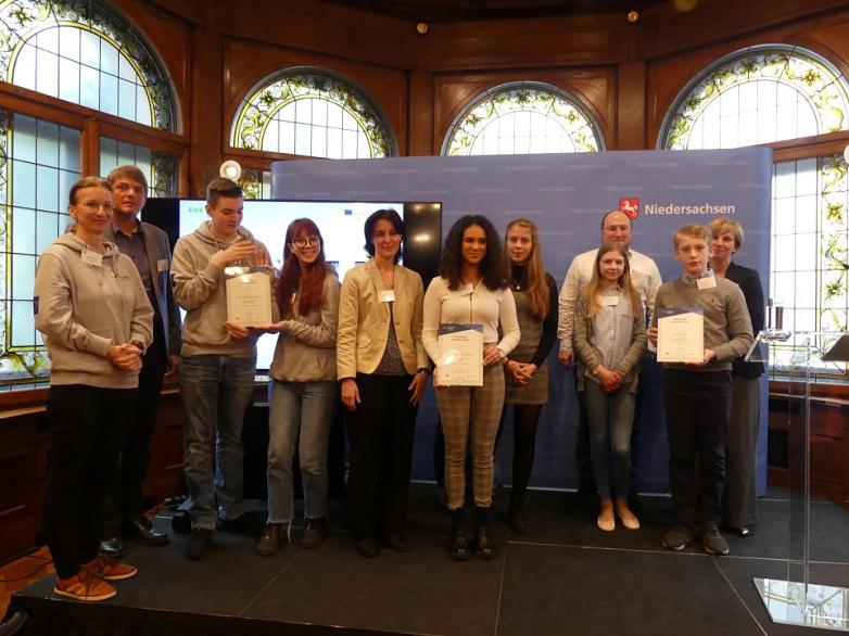 Etwinning-Vertreter mit Urkunden©MDG-Nienburg