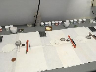Arbeitsplatz zur Herstellung von Glasanhängern©MDG-Nienburg
