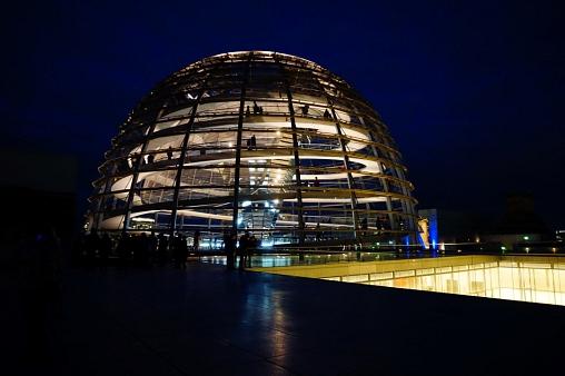 Bundestag bei Nacht©MDG-Nienburg