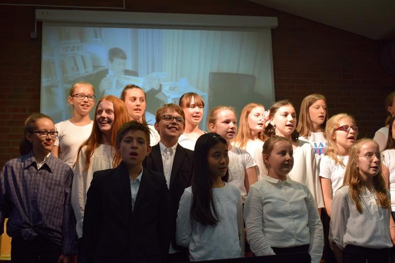 Chorklasse 6 mit eigener Bildergeschichte©MDG-Nienburg