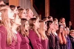 Chorklassen 8-10 beim Auftritt