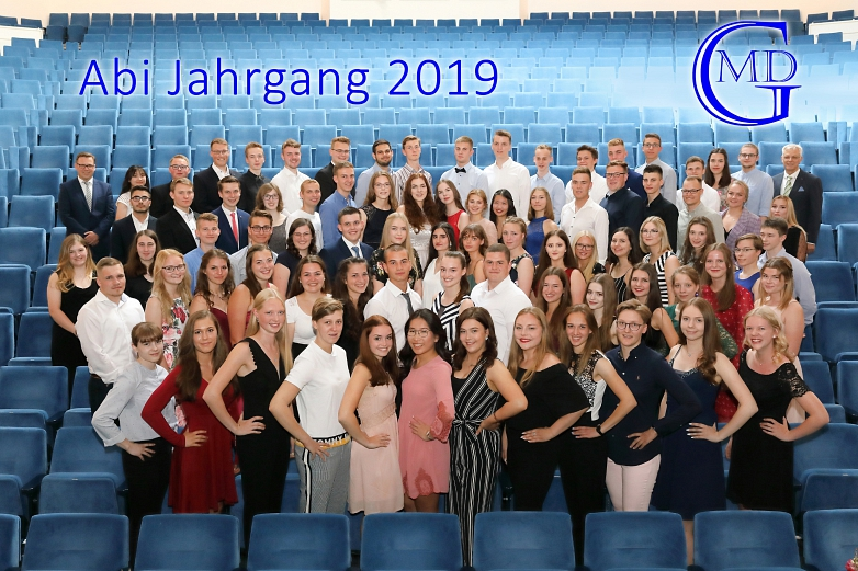 Der Abiturjahrgang 2019©Fotovision Nienburg