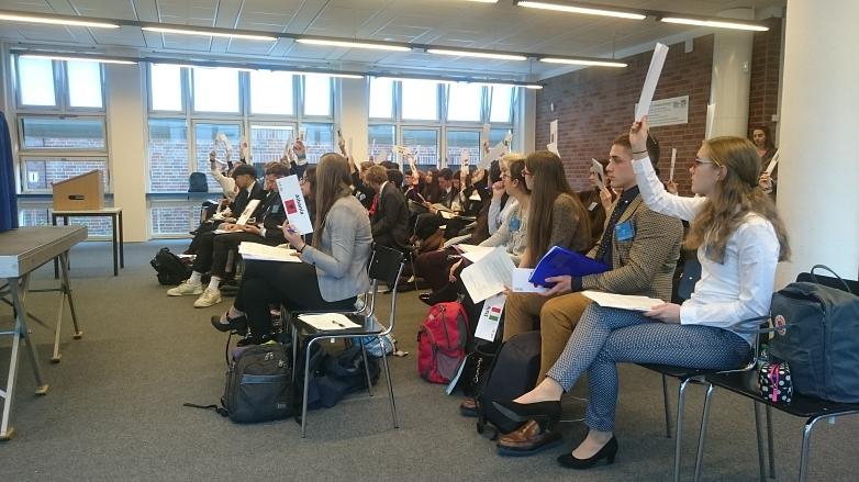 Die Diskussion im Kommittee©MDG-Nienburg