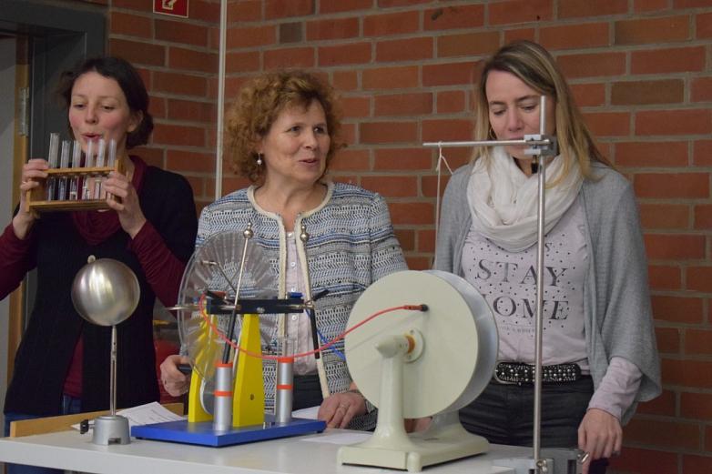 Die Physiker hatten ein besonderes Ständchen vorbereitet©MDG-Nienburg
