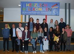 Die Reisegruppe mit ihren GastschülerInnen und Lehrkräften