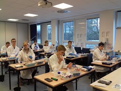 Die Teilnehmer bei den praktischen Prüfungen©MDG-Nienburg