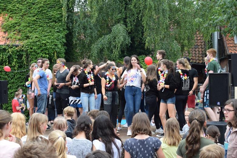 Feiernde Abiturienten©MDG-Nienburg
