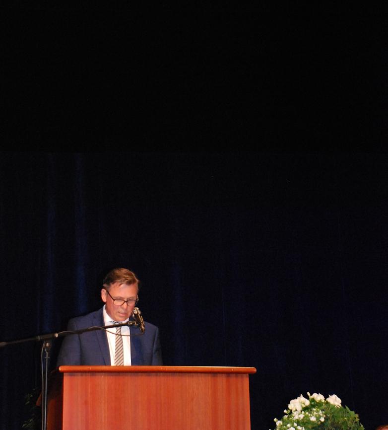 Herr Kulze-Meyer bei seiner Rede©MDG-Nienburg
