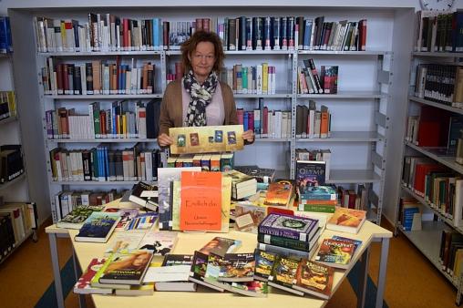 Immer wieder gibt es neue Bücher©MDG-Nienburg