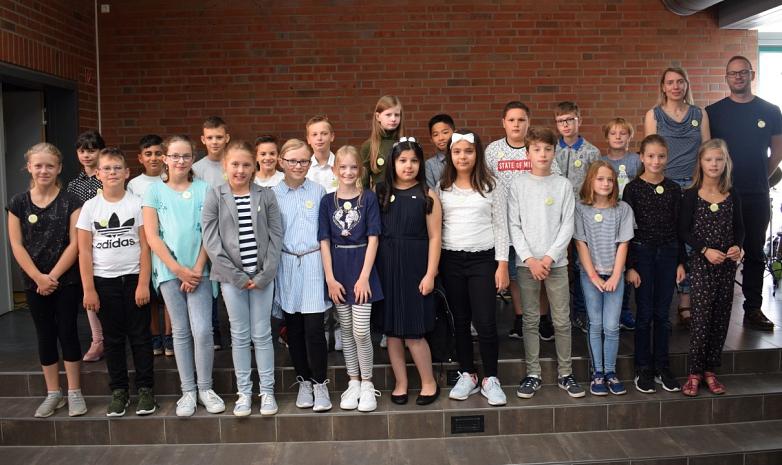 Klasse 5a mit Frau Ommen und Herrn Schneider-Katzenstein©MDG-Nienburg
