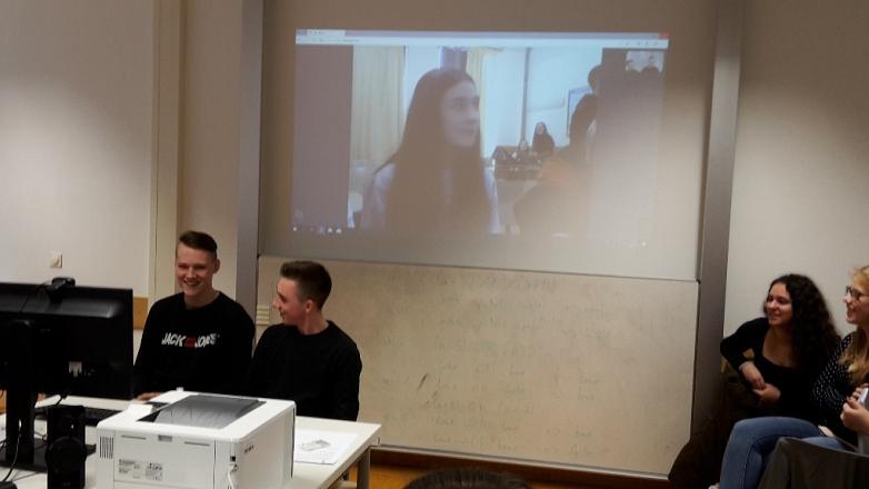 Live-Chat im PC-Raum©MDG-Nienburg