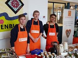 MDG Schüler helfen der Tafel beim Catering