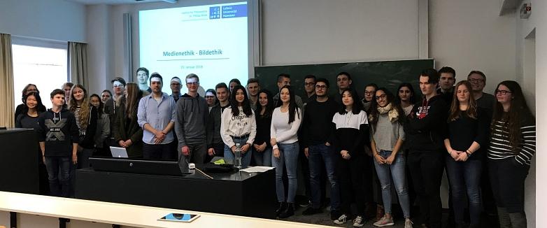 Oberstufenschüler beim Medienseminar©MDG-Nienburg
