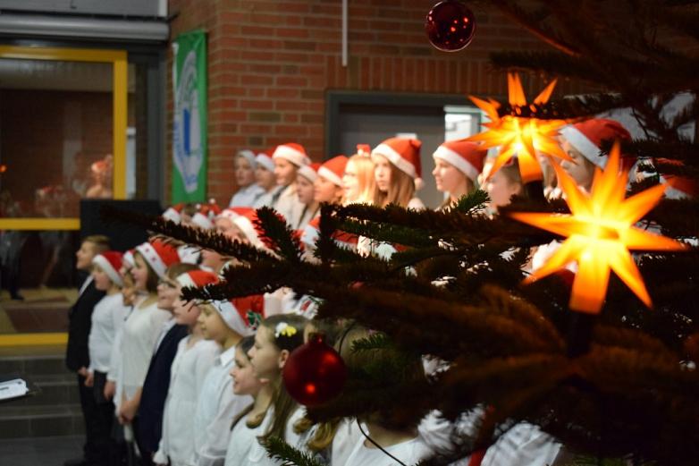 Vorweihnachtliche Stimmung beim MDG-Konzert©MDG-Nienburg